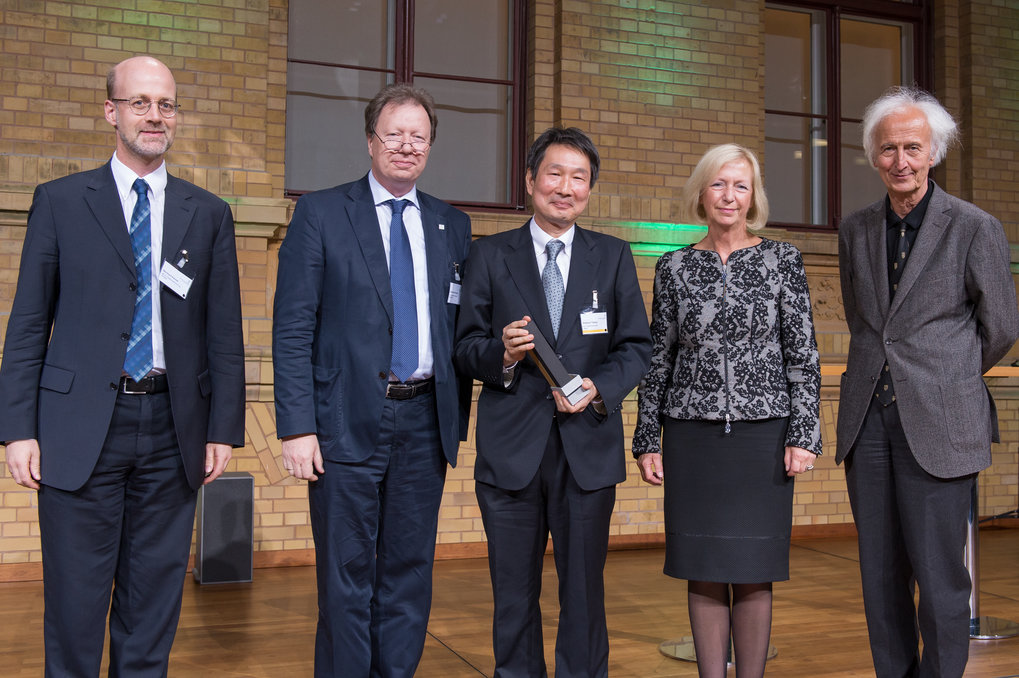 One award winner is Hidenori Takagi, Director at the Max Planck Institute for Solid State Research in Stuttgart, Professor at the University of Stuttgart and Professor at the University of Tokyo.Photo: Humboldt-Stiftung/Svea Pietschmann