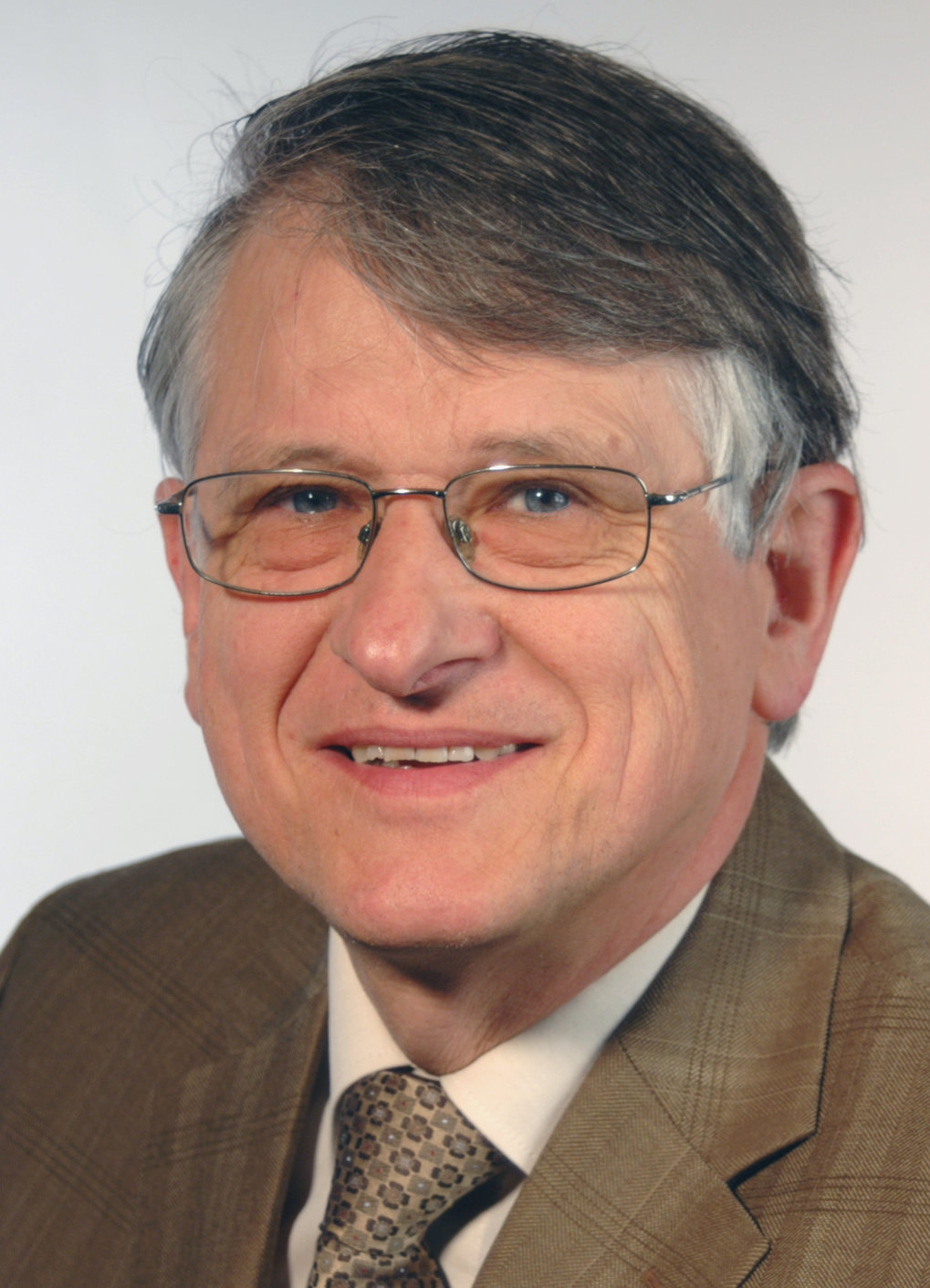 Der Nobelpreisträger Professor Klaus v. Klitzing erhält den Richard E. Prange Prize and Lectureship in Condensed Matter Theory and Related Areas 2014. (11.2014)
