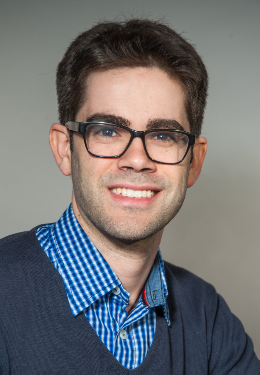 Joel Bertinshaw has been awarded a Postdoctoral Fellowship from the Alexander von Humboldt Foundation. He is doing neutron scattering experiments on unusual magnetic excitations in ruthenium oxides.