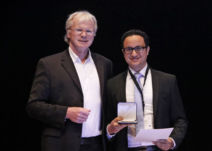 was awarded a Otto Hahn Medal for the theoretical analysis of disorder effects on electronic transport in topological quantum wires. (07.2018)